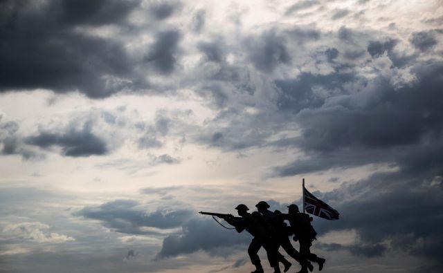 Klasičnih, simetričnih vojn, v kateri država (ali vojaška povezava držav) napade drugo državo (ali drugo vojaško povezavo držav), ni več. FOTO: AFP