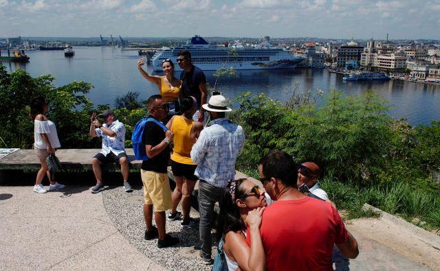 Razgled na Havano bo ostal, le po novem brez križark v ozadju.<br /> FOTO: Reuters