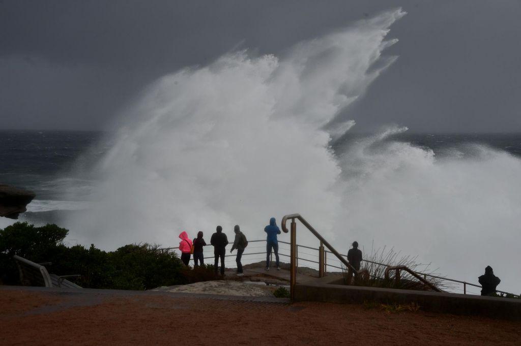 V Avstraliji se spopadajo s snegom, mrazom in močnim vetrom