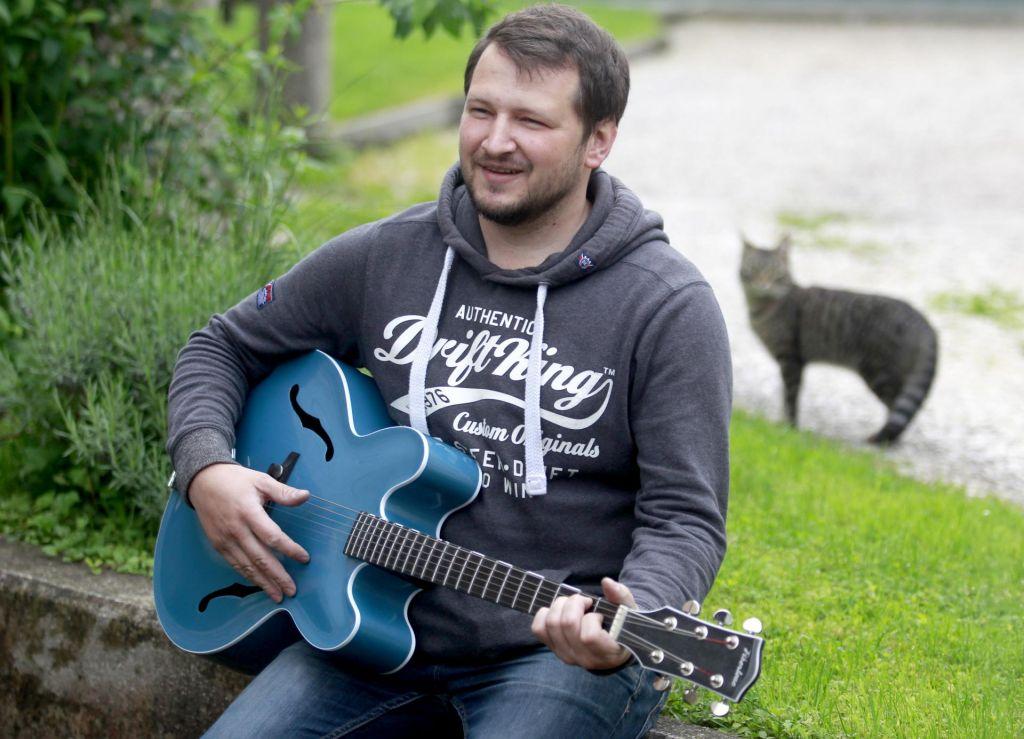 FOTO:V deželi Avsenikov nastajajo glasbila 21. stoletja