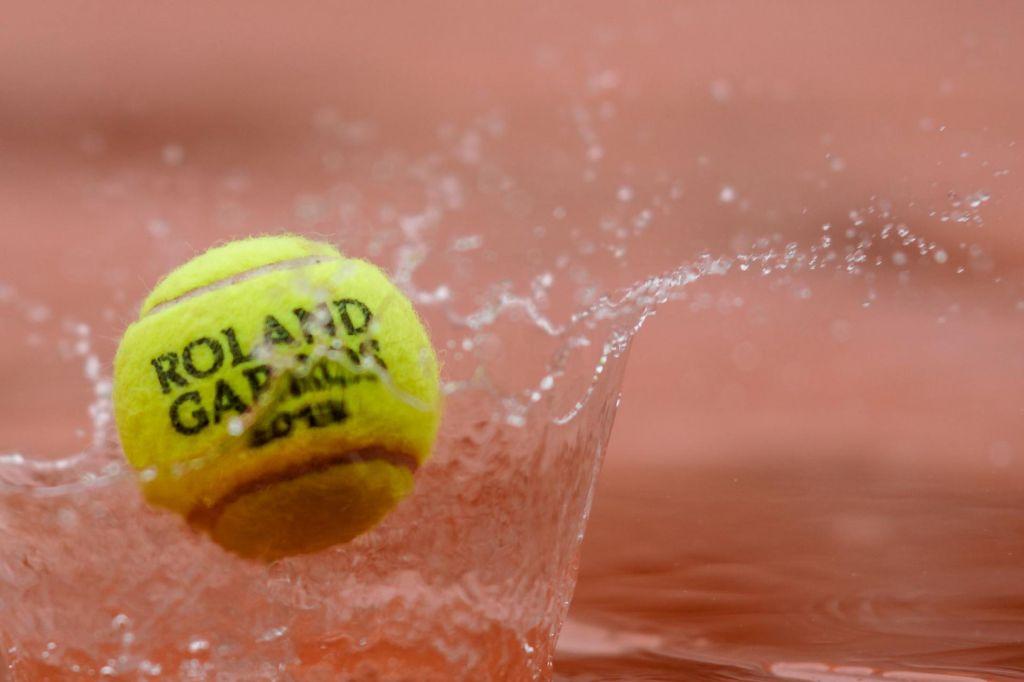 V Parizu danes brez tenisa