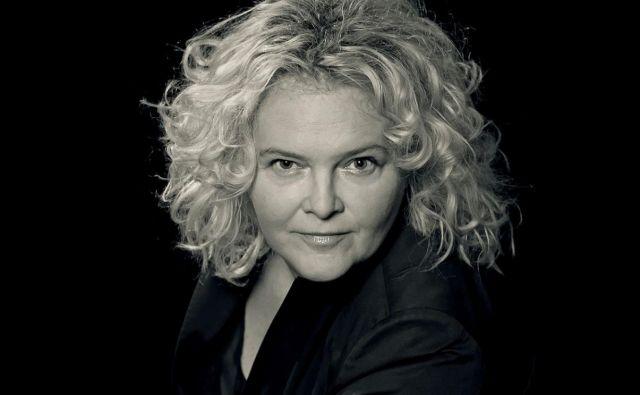 Katja Pegan meni, da je nagrada <em>tantadruj</em>, ki jo je prejela za življenjsko delo, namenjena vsem, ki so v Kopru želeli in si upali, ampak niso imeli sreče, da bi vzpostavili profesionalno gledališče. Foto Jaka Varmuž