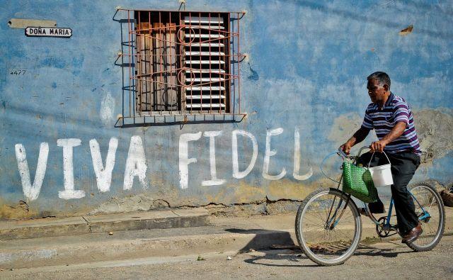 Naj živi Fidel Castro! FOTO: AFP