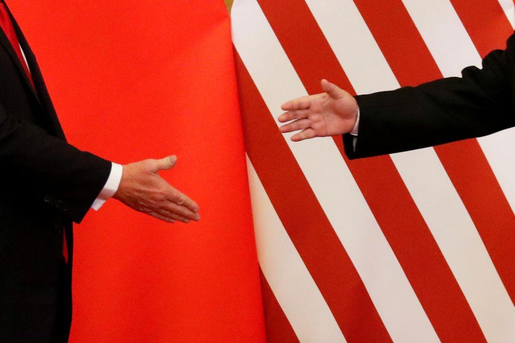 Trump o carinah po srečanju s Xijem, ta krepi odnos s Putinom