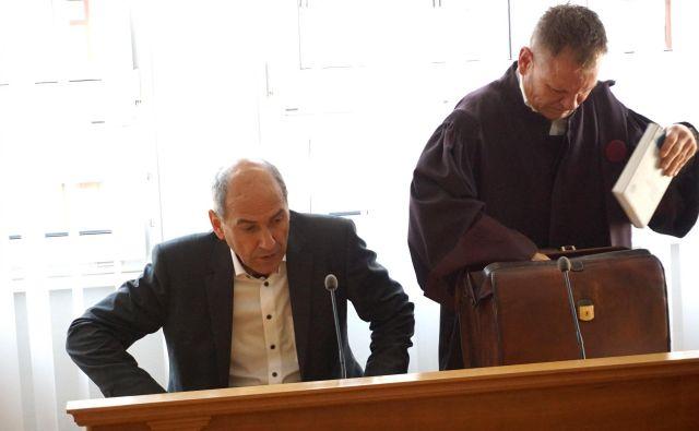 Janša in Matoz na Višjem sodišču v Celju. FOTO: Brane Piano