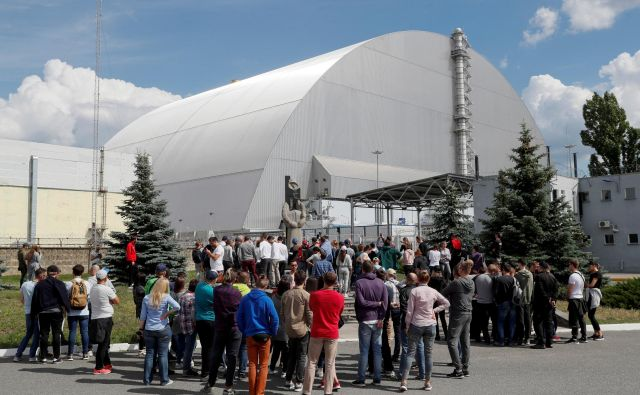 Streha nad glavnim reaktorjem. FOTO: Reuters