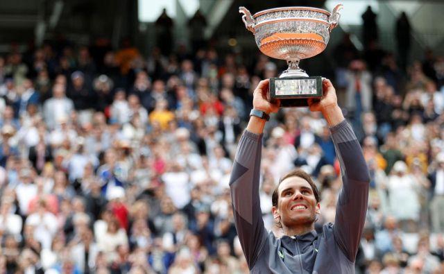 Pokal mušketirjev ostaja v rokah Rafaela Nadala. V 15 letih ga je Španec osvojil dvanajstkrat. Foto Reuters