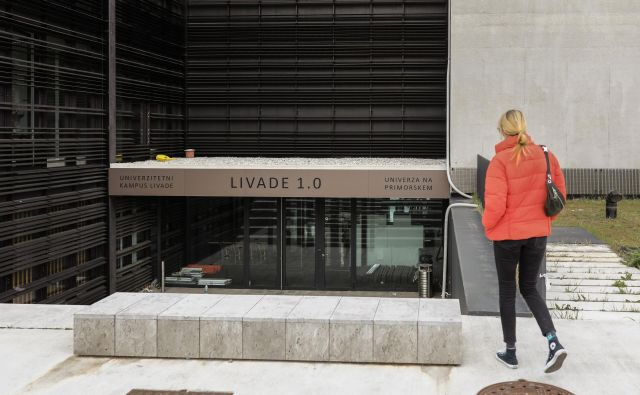 Na natečaja za urbanistično in arhitekturno rešitev za celotni Kampus Livade v Izoli je prvo nagrado prejel projekt biroja Dekleva Gregorič. Foto Voranc Vogel