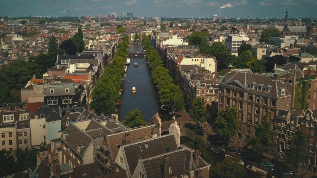 TV namiga:Amsterdam, London, New York – trije veličastni in Bohemian Rhapsody