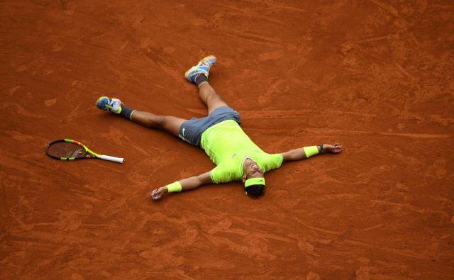 Sezona na pesku se za Rafaela Nadala ni najbolje začela, se je pa imenitno končala. FOTO: AFP
