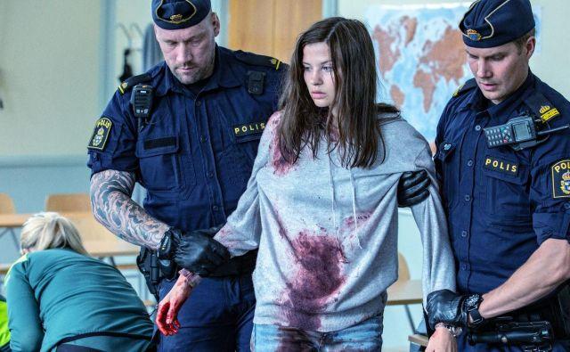 Pri Netflixu so po romanu posneli nadaljevanko <em>Quicksand</em>. FOTO: Prizor iz nadaljevanke