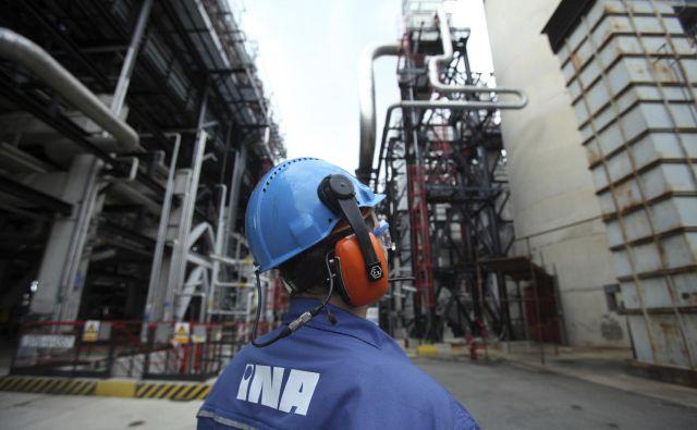 Glavnina terjatev LB je do hrvaške naftne družbe Ina. FOTO: Cropix