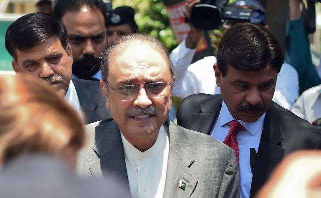 Zdaj se brani pred očitki, da je sodeloval pri pranju denarja. FOTO: Farooq Naeem/Afp