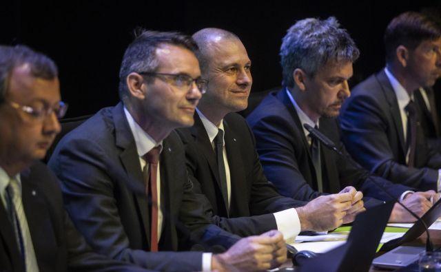 Uprava NLB je bila z razpletom skupščine zadovoljna. Z leve Andreas Burkhardt, Archibald Kremser in Blaž Brodnjak. Foto Voranc Vogel