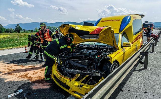 Prometna nesreča pri Vrhniki. FOTO: Gasilska enota Stara Vrhnika