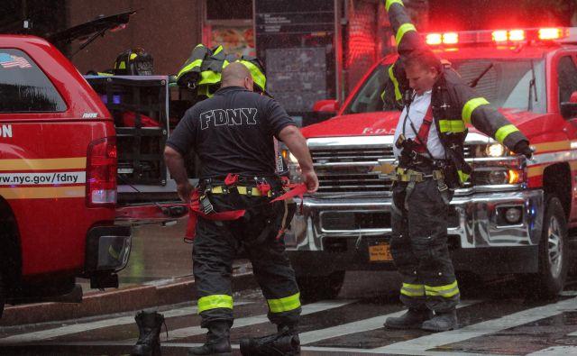 S požarom so se spopadli newyorški gasilci. FOTO: Brendan Mcdermid/Reuters