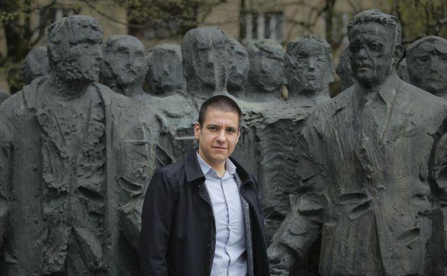 Dr. Jure Ramšak je avtor knjige (Samo)upravljanje intelekta – Družbena kritika v poznosocialistični Jugoslaviji, ki je izšla pri založbi Modrijan. FOTO: Jože Suhadolnik