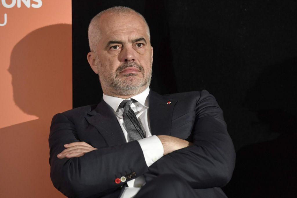 Spodkopavanjezačetka pristopnihpogajanj Albanije z EU
