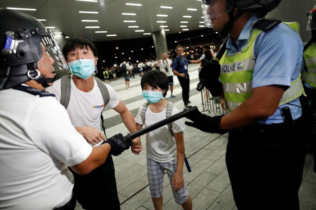 FOTO:Kitajska prepričana, da so proteste spodbudile tuje sile