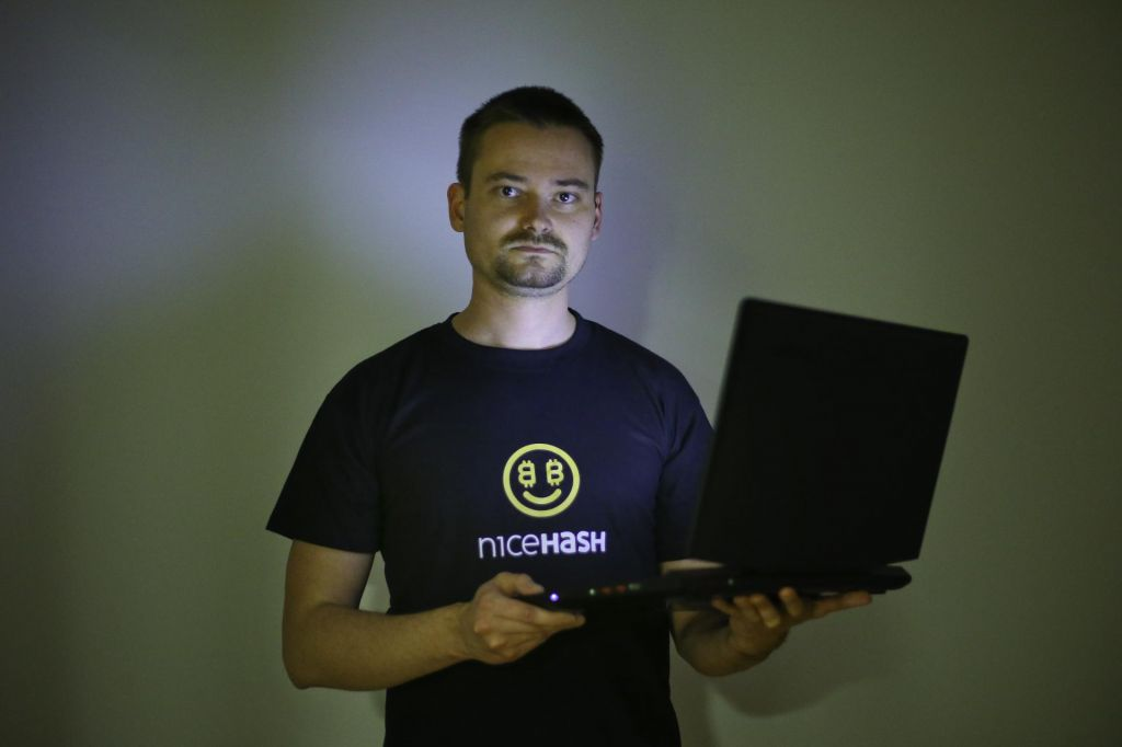 Programer, ki mu v ZDA grozi petdeset let zapora