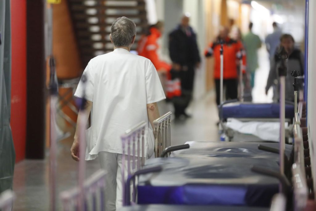 FOTO:Zaradi čakalnih dob zanimiva dodatna zdravstvena zavarovanja