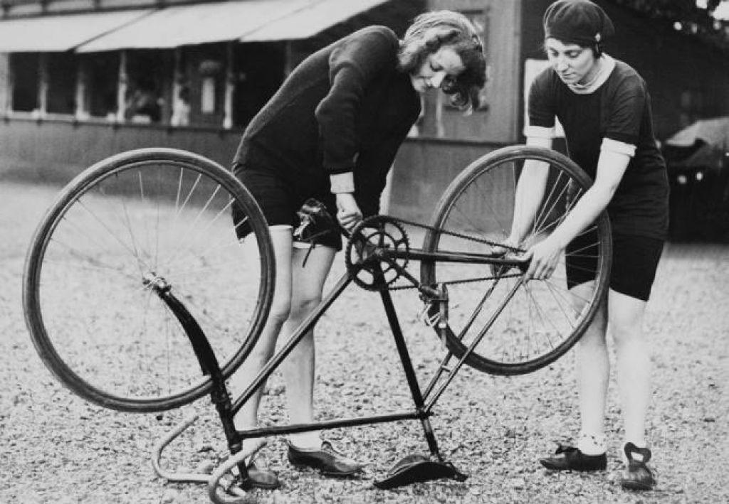 Ženske na biciklu, 6.del: Komodno sedenje in onaniranje
