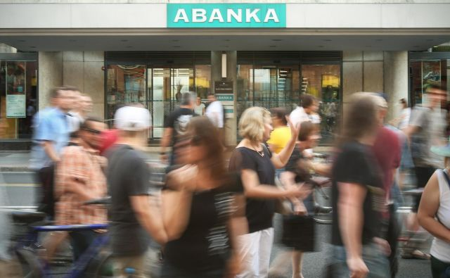 Prodaja Abanke naj bi bila v sklepni fazi, a imajo v koaliciji kot tudi nekatere stranke v opoziciji pomisleke. Premlevajo, da bi vlada o prodaji morala odločati znova. Foto Jure Eržen/Delo