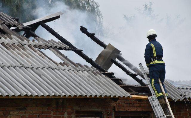 Vzrok za nastanek požara bodo iskali v prihodnjih dneh. Fotografija je simbolična. FOTO: Dokumentacija Dela