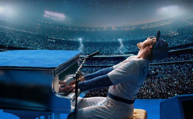 Taron Egerton je povsem prepričljiv Elton John.<br /> Foto: David Appleby/Paramount Pictures