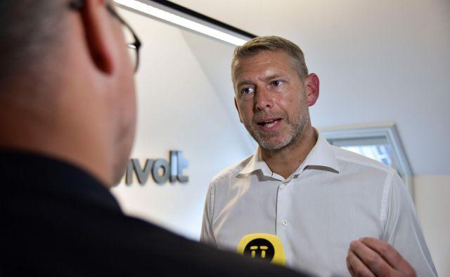 Peter Carlsson verjame, da se Evropa lahko prebije med vodilne na področju izdelave baterij.<br /> Foto AFP