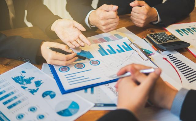 Za mala in srednja podjetja zunanji viri financiranja niso pomembni zgolj zaradi hitrejšega razvoja, ampak tudi zato, ker prinesejo spremembo korporativnega upravljanja. FOTO: Shutterstock