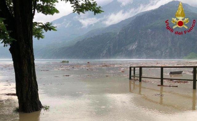 Jezero Como v pokrajini Lecco. FOTO: Vigili Del Fuoco/Twitter