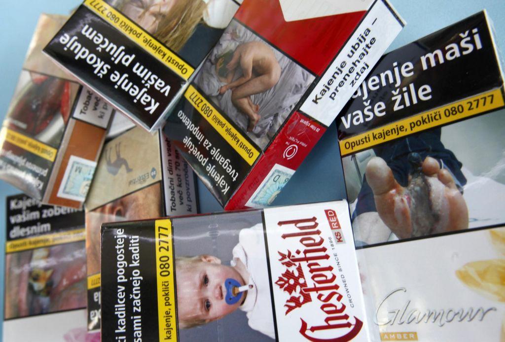FOTO:Pri uvedbi enotne cigaretne embalaže bi počakali na sosede