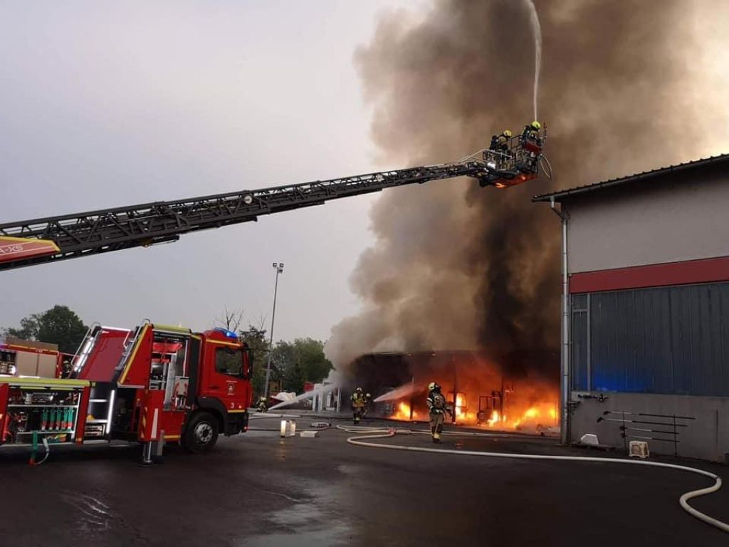Požar je morda posledica kaznivega dejanja