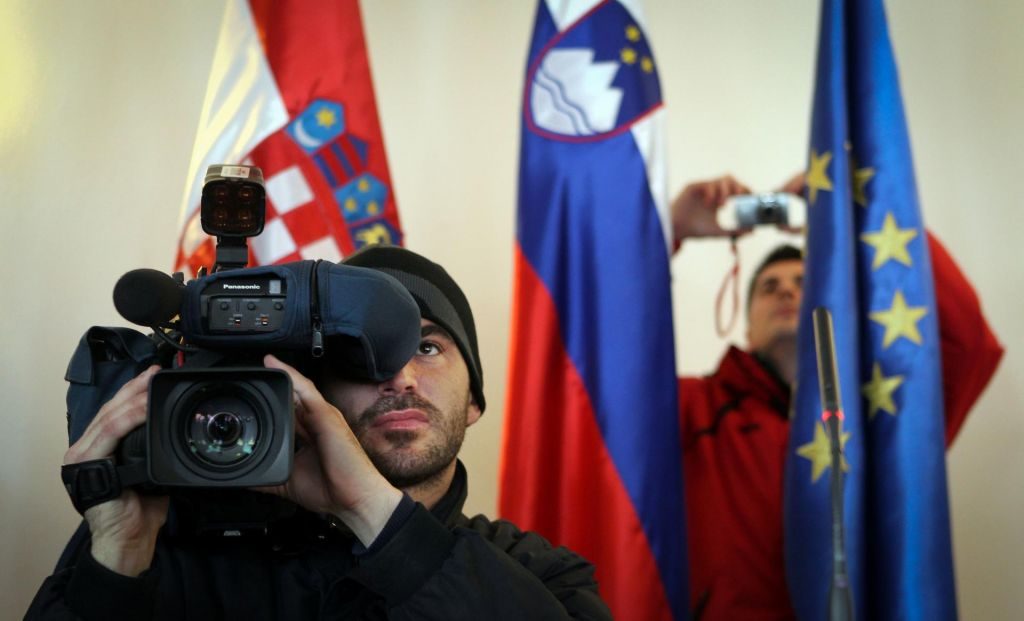 FOTO:Zakaj nas tožarjenje s Hrvati toliko stane?