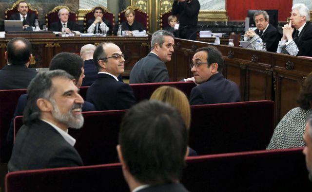 Štirimesečno sojenje je domača in tuja javnost spremljala kot telenovelo z veliko ideologije in politike. Foto: Reuters