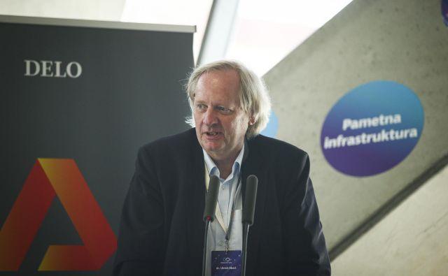 dr. Ulrich Eberl, futurist, avtor in nekdanji dolgoletni direktor sektorja za Inovacije v komunikacijah pri podjetju Siemens AG. FOTO: Jože Suhadolnik/Delo