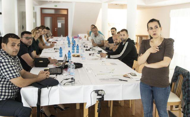 Med delavnicami. Foto Voranc Vogel