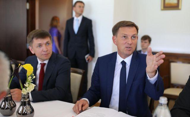 Ministra Konstantin Noskov in Miro Cerar sta meddržavno sodelovanje ocenila kot pozitivno. FOTO: Tomi Lombar/Delo