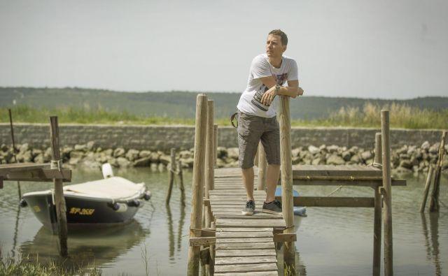 Tilen Genov je s svojim društvom Morigenos dokumentiral stalno populacijo delfinov v Tržaškem zalivu. FOTO: Leon Vidic