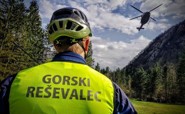 Posredovali so kamniški gorski reševalci, ki so sredi noči prišli do planincev ter ob 0.50 do preminulega planinca. FOTO: GRS Kamnik