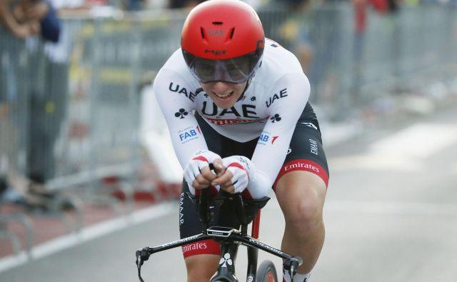 Letos na dirki po Sloveniji ne bo vožnje na čas, v kateri bi Pogačar lahko pokazal dres državnega prvaka v kronometru. Foto Leon Vidic