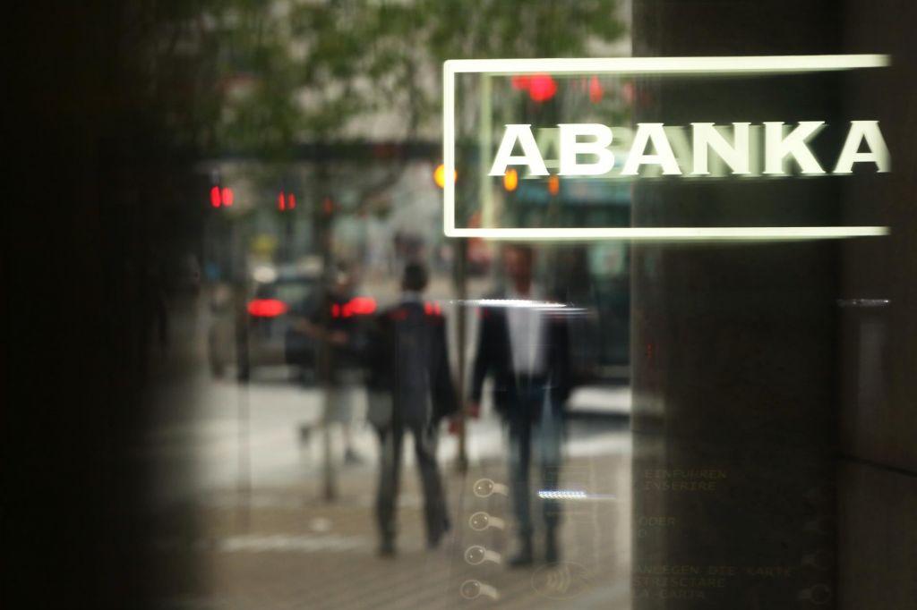 Odločanje o prodaji Abanke preloženo na sredo
