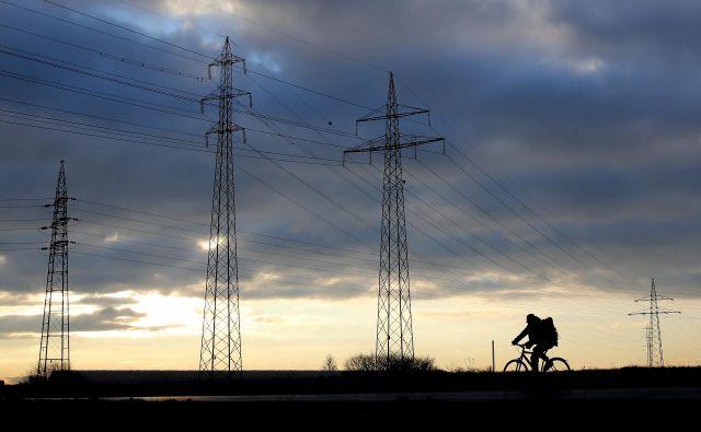 Energetika se bo temeljito spremenila, vložiti bo treba več. FOTO: Tomi Lombar/Delo