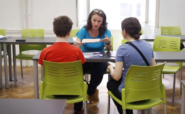 Prijavljenih v srednje šole je za prihodnje šolsko leto 18.811, do konca tedna potekajo vpisi bodočih dijakov v prvem krogu izbirnega postopka. FOTO: Leon Vidic/Delo