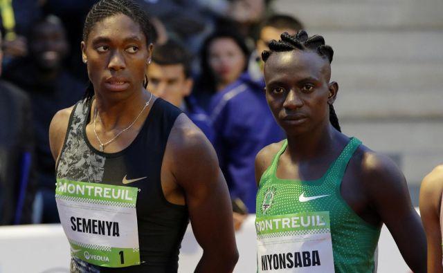 Olimpijska prvakinja in podprvakinja v teku na 800 metrov, Caster Semenya in Francine Niyonsaba, se borita, da bi lahko še naprej tekmovali takšni, kot sta, ne želita si zmanjševati naravno visoke ravni testosterona. FOTO: Reuters