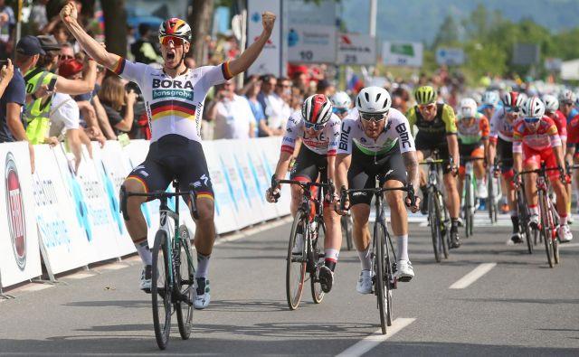 Uvodni dan dirke po Sloveniji je zmago slavil Nemec Pascal Ackermann. FOTO: Tadej Regent/Delo