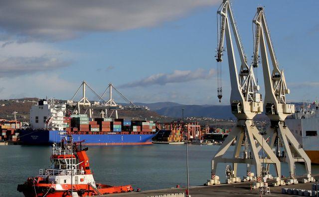 V Sloveniji je izvoz blaga in storitev v zadnjih dvanajstih mesecih prvič presegel magično mejo 40 milijard evrov, kar znaša okoli 86 odstotkov BDP. Foto Tomi Lombar