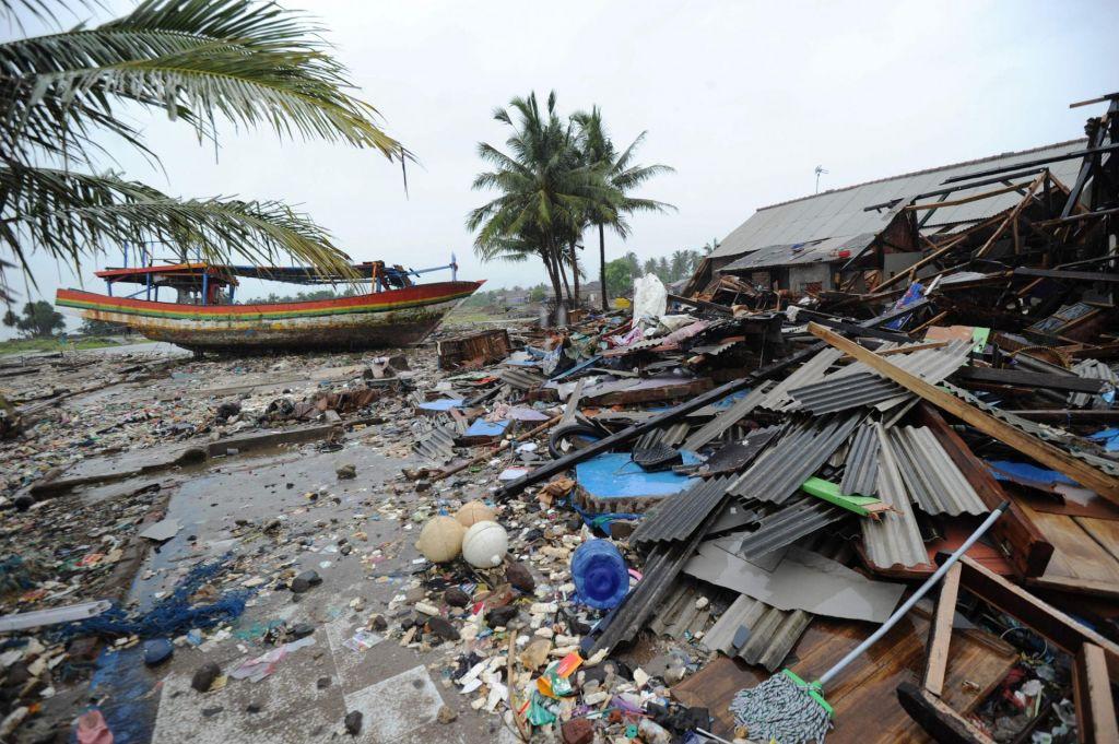 Po močnejšem potresu na Japonskem izdali opozorilo pred cunamijem