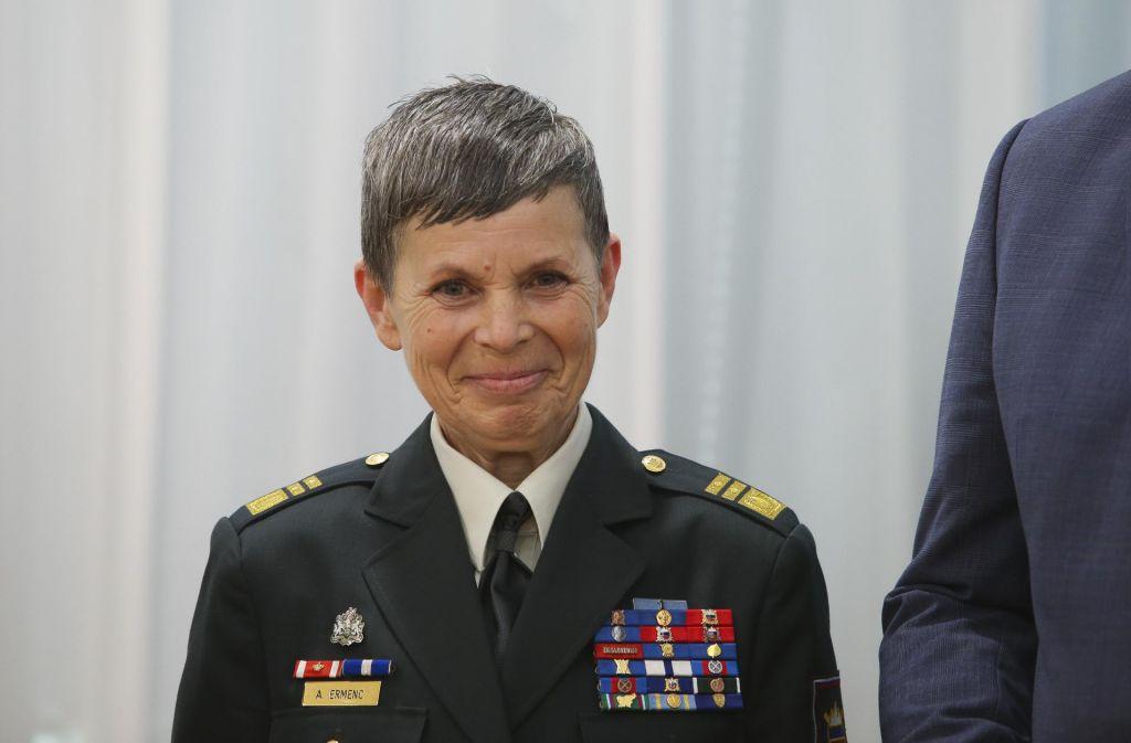 Ermenčeva se je opravičila za odsotnost, pričakujejo jo v prihodnjih dneh